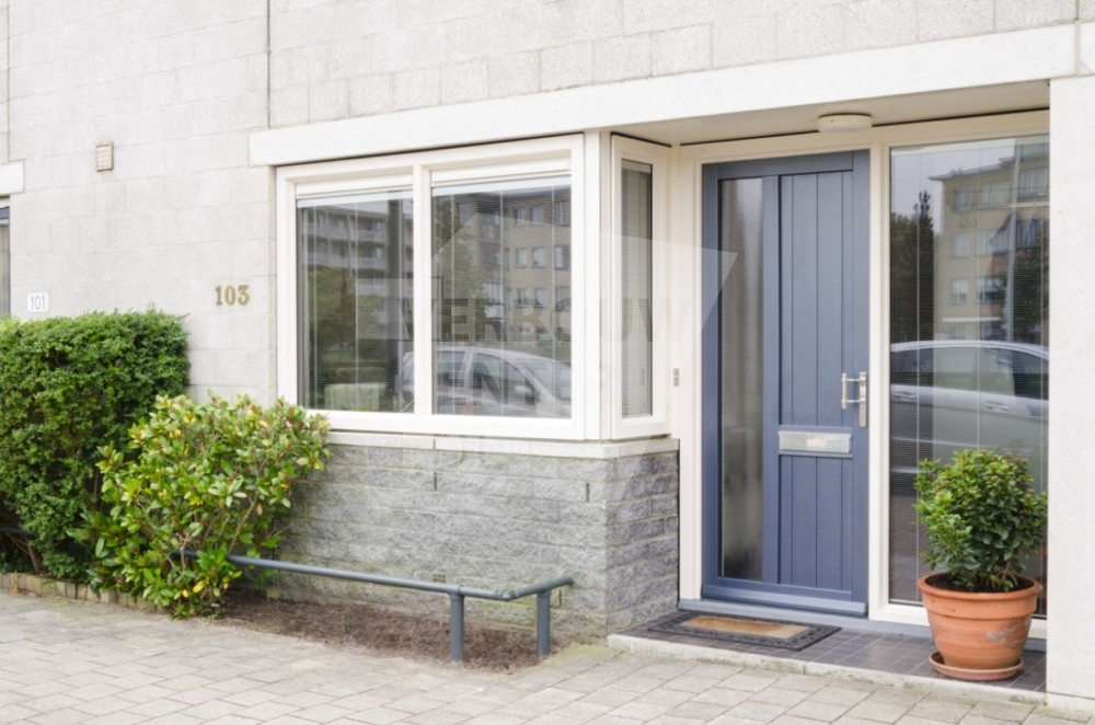 Kozijncenter Ede Kunststof Kozijnen en Zonwering - kunststof voordeur tocht buiten de deur