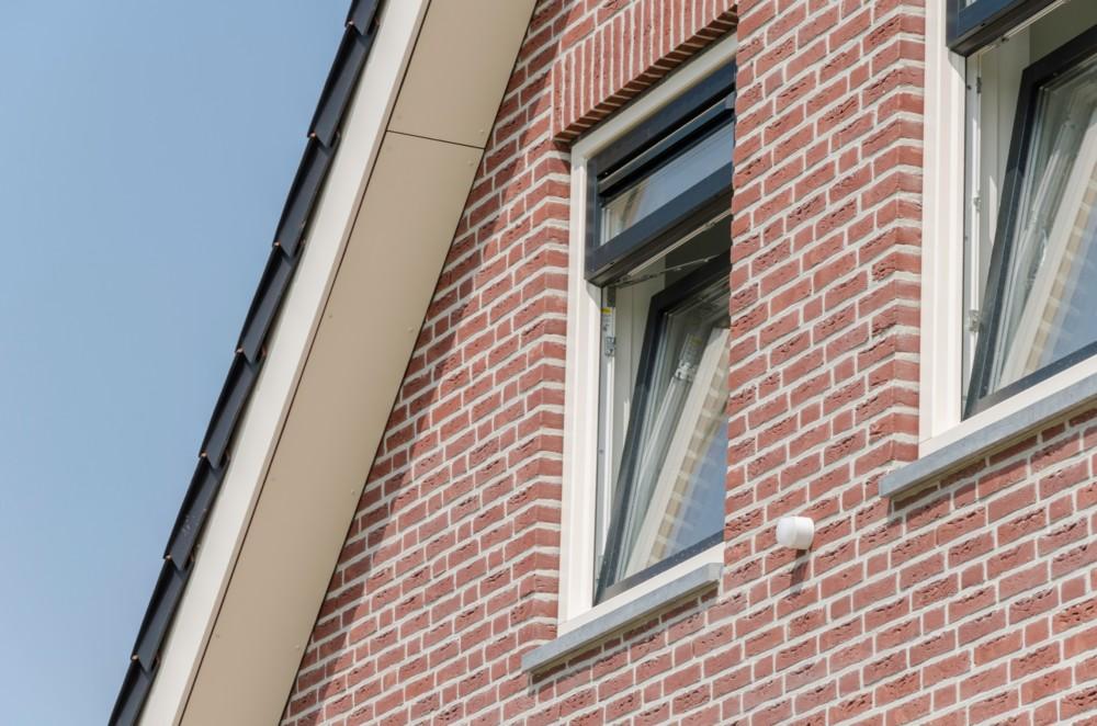 Kozijncenter Ede Kunststof kozijnen en garagedeuren - isoleren en ventileren onlosmakelijk met elkaar verbonden
